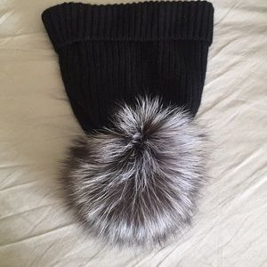 Saks Fifth Avenue 💯Cashmere Real Fox Hat